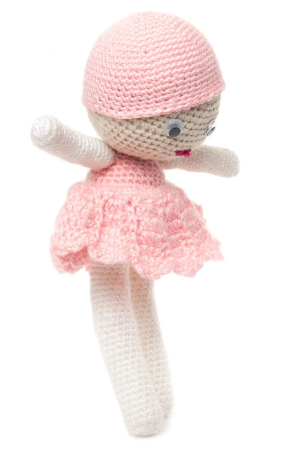 Păpușa Lia jucăria croșetată manual prietena oricărei fetițe