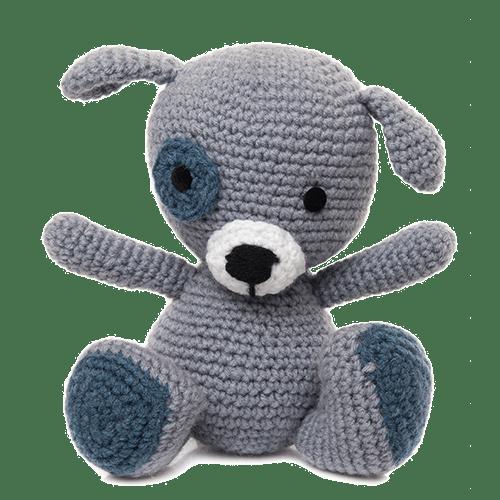 Cățelul Patrocle, culoare gri, este o jucărie croșetată manual