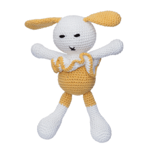 Iepurica Mara, culoare galbenă, este o jucărie croșetată manual